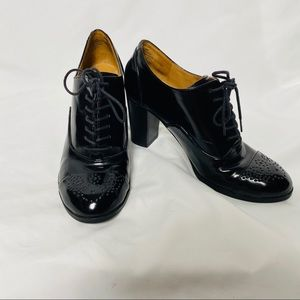 Patent leather Oxford booties